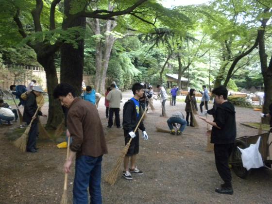 2010.5.30靖国神社清掃奉仕