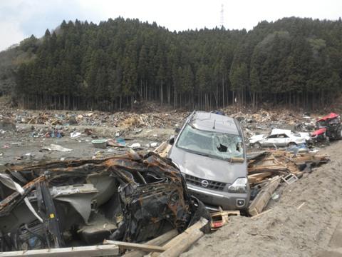 平成23年4月30日岩手県陸前高田市の津波被害地を視察