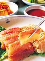 洪濁=ホンタク(人糞の中にガンギエイを入れて発酵させる料理で、韓国のレストランなどで出ている)