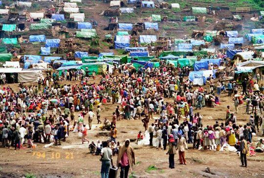 ルワンダ難民キャンプ