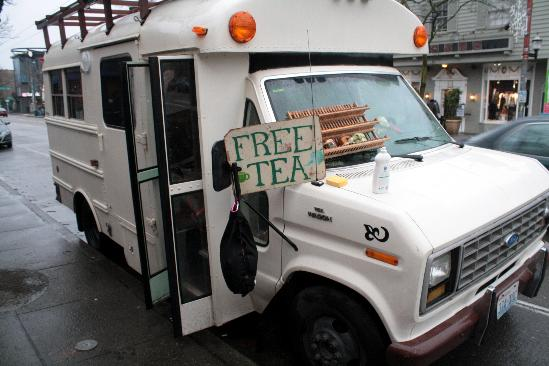 Edna Lu(=tea bus)
