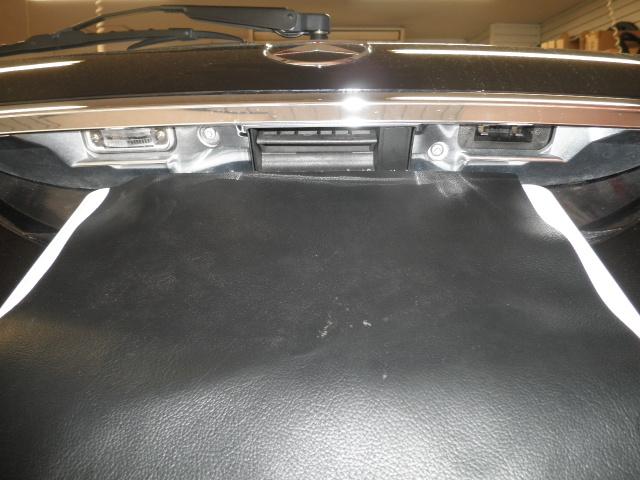 メルセデスベンツ Eクラス(W211型)にバックカメラを取り付けます!