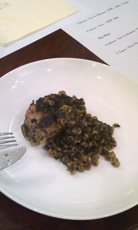 コンフィした鶏肉のアローストにサルサヴェルデ