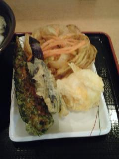 1256736422-天ぷらに半熟玉子天ぷらがありますね.jpg