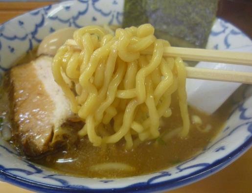 『波』 ラーメン(麺リフト)