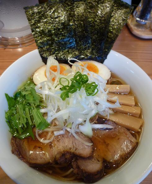 『らぁ麺 あんど』 特製醤油らぁめん(950円)
