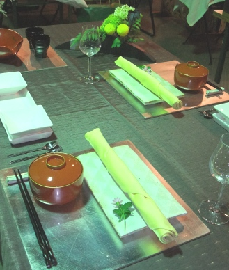 テーブル 430