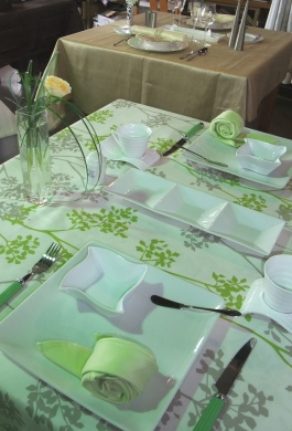 テーブル 623