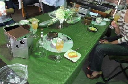 テーブル 677