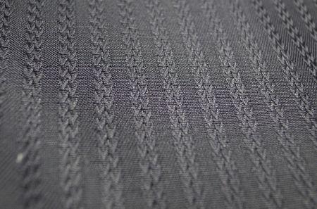 スイスのアルモ社の黒ジャガード織シャツ地