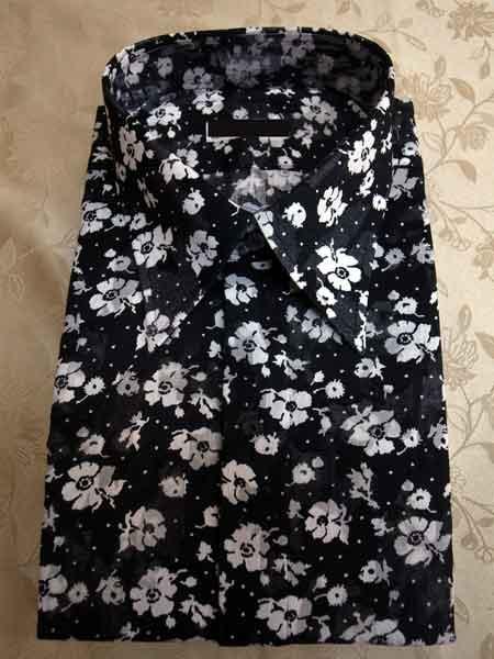 花柄のボイルシャツ