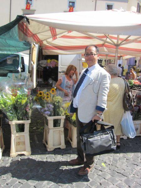 フィレンツェの市場にて