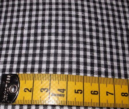 黒と白のギンガムチェックシャツ