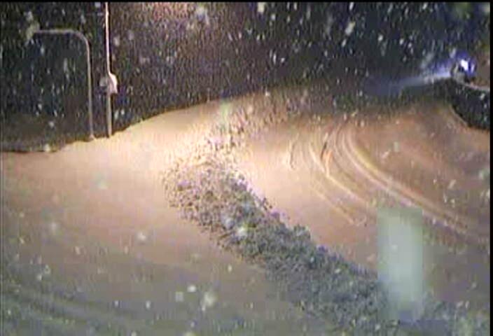 20091220西勝原の雪道