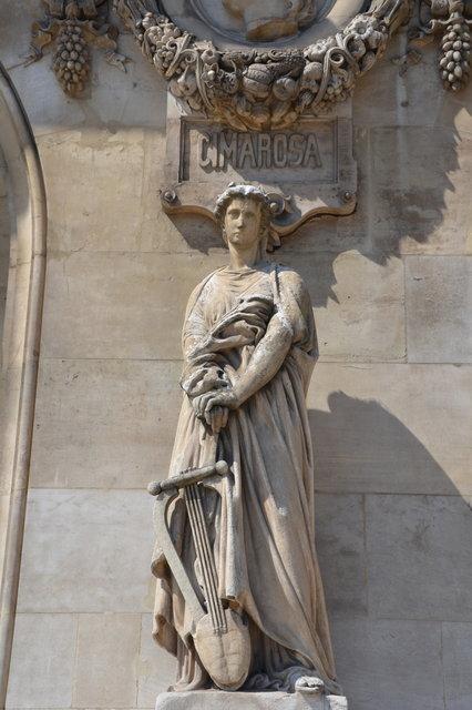 オペラ座の彫像