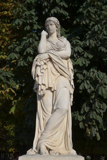 チュイルリー公園:三つの彫像