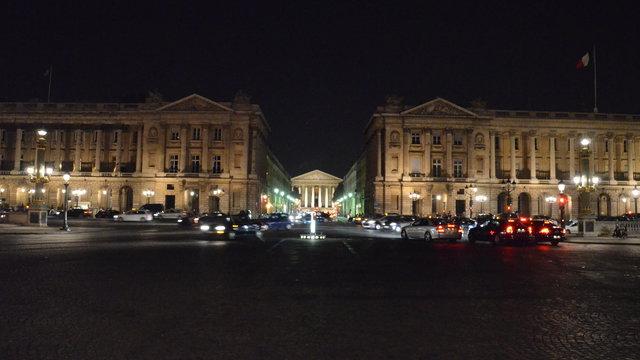 オテル・ド・クリヨンと海軍省とマドレーヌ寺院の夜