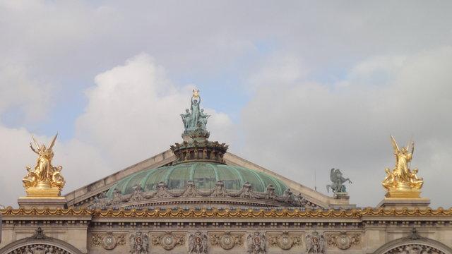 オペラ座:和声とドームと詩
