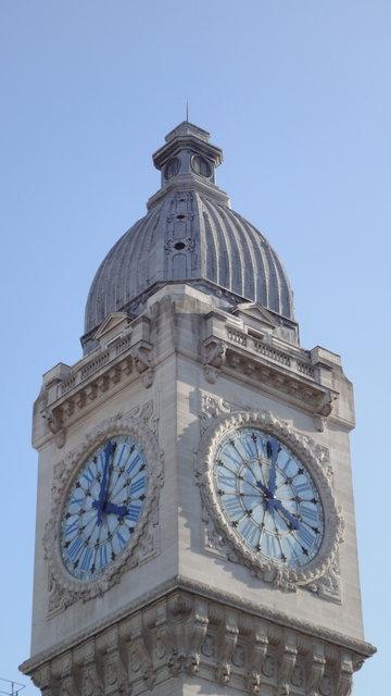 リヨン駅の時計台