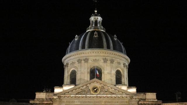 フランス学士院のキューポラの夜
