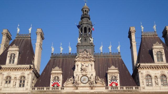 パリの市役所の時計
