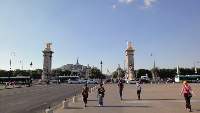 アレクサンドル3世橋やマーシャル・ガリエニ大通り
