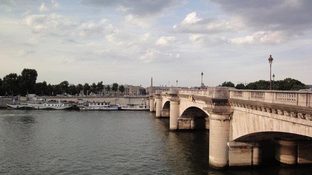 コンコルド橋やセーヌ川