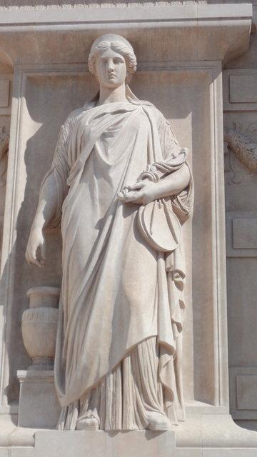 パリの最高裁判所の彫像