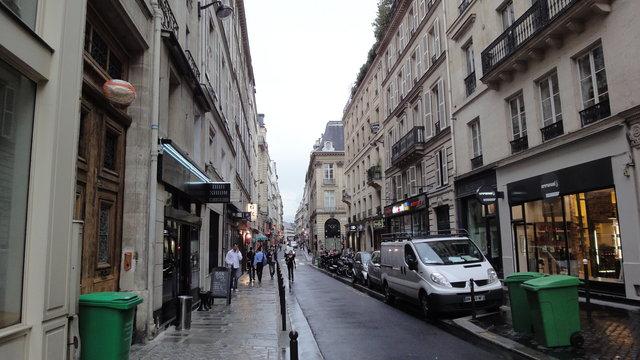 パリ:サン・タンヌ通り