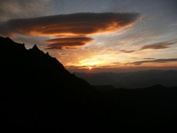 八ヶ岳の朝日