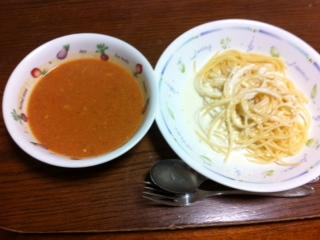 パスタとトマトスープ