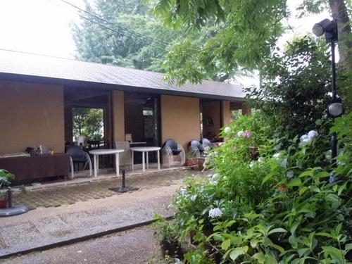 白沙村荘 24 レストランに至る