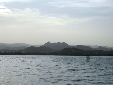 bergen mit lake