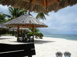 desroches restaurant beachside