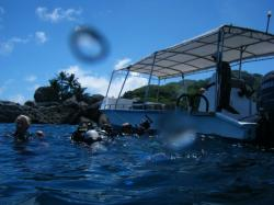 diving boat at side of mahe island