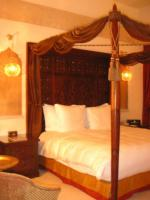 sharq village and spa bed