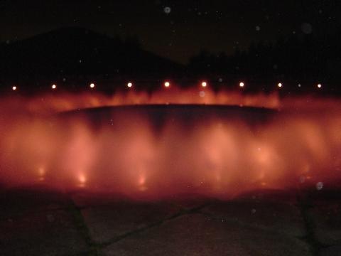 赤い噴水(2009.08.15)