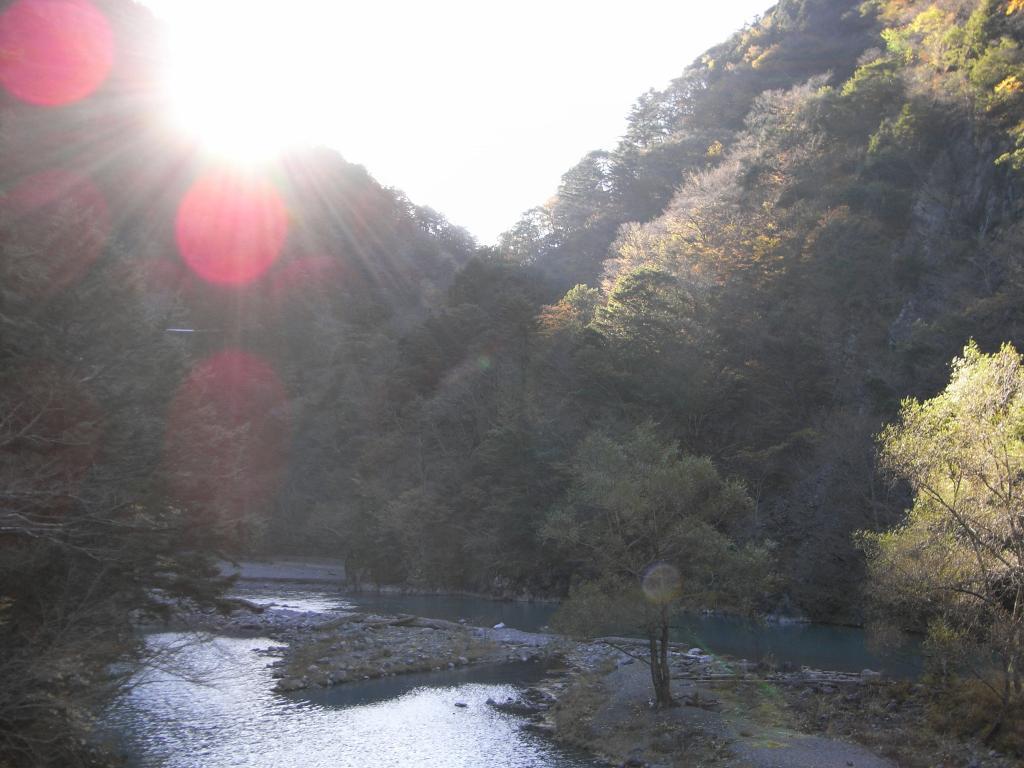 橋からの風景:飛龍橋側