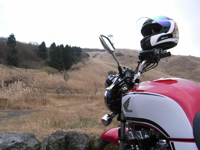 裾野の公園にバイクを停めて・・・