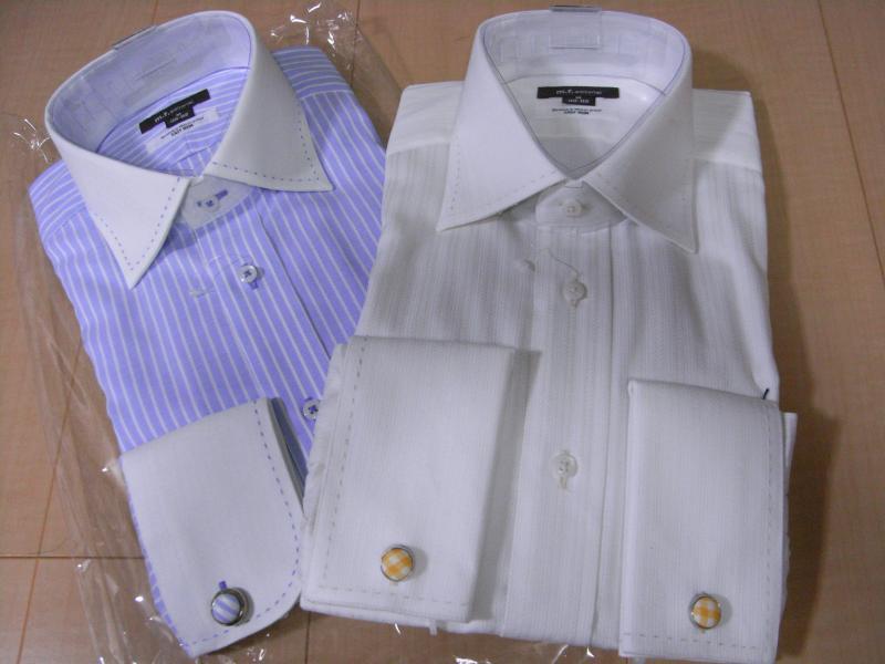 ダブルカフスシャツを公私使い分けに2着