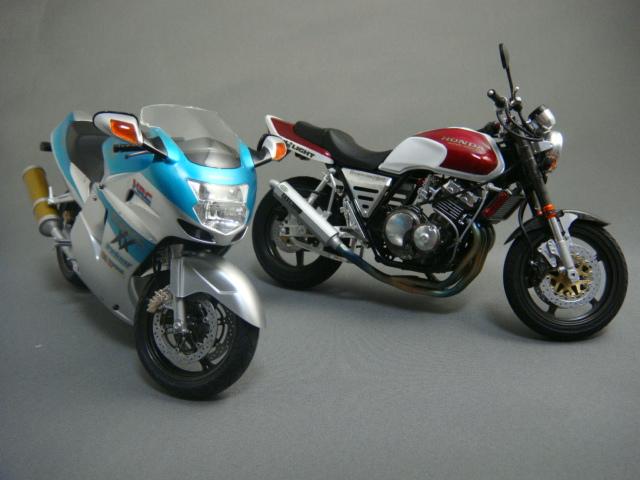 ZZR1100&CB400SF 1