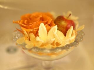 Lisの花・オレンジのバラ