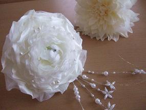 白いバラの髪飾り