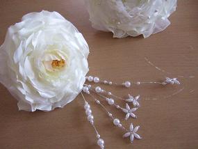 白薔薇の髪飾り