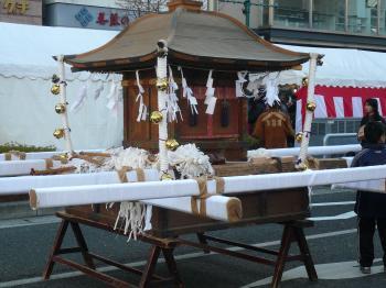 松本城・あめ市3