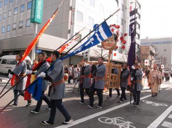 松本城・あめ市1