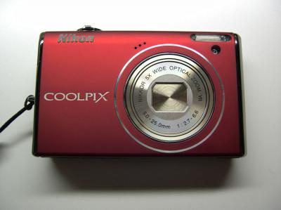 ニコンCOOLPIX・S-640(赤)