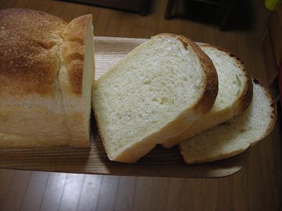 2009.8.31はちみつ食パン(酵母)断面