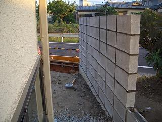 外構工事 外壁 西側