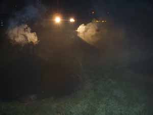 夜の燻炭焼き